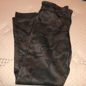 Camo draw string pants